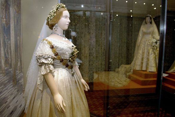 Wedding Dress「''A Century of Queens Wedding Dresses'' Exhibition , London.」:写真・画像(6)[壁紙.com]