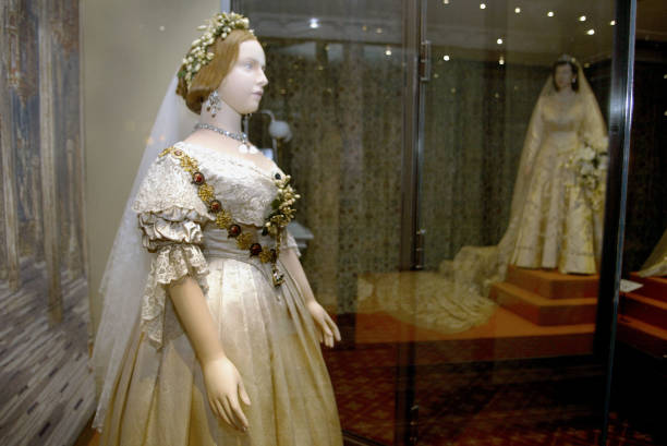 ''A Century of Queens Wedding Dresses'' Exhibition , London.:ニュース(壁紙.com)