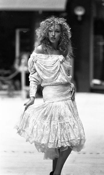Rag「Model Claudia Modeling the Jackie Lavin Annbalon Collection 1989」:写真・画像(11)[壁紙.com]
