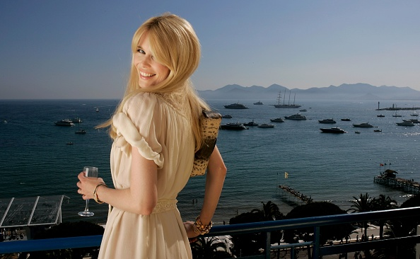 Bangs「Cannes - Claudia Schiffer Portraits」:写真・画像(10)[壁紙.com]