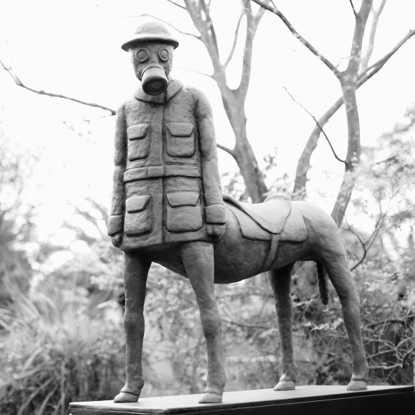 Hiding「Historic Rookwood Cemetery Holds Annual Sculpture Exhibition」:写真・画像(9)[壁紙.com]