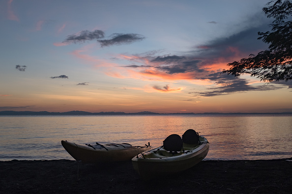 Rowboat「Kayaks At Sunset」:写真・画像(12)[壁紙.com]