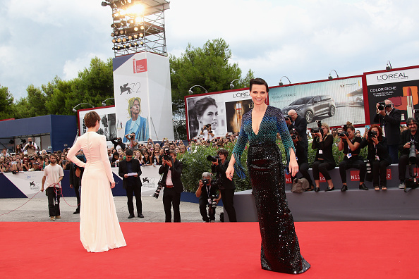 Large Group Of People「'The Wait' Premiere - 72nd Venice Film Festival」:写真・画像(11)[壁紙.com]