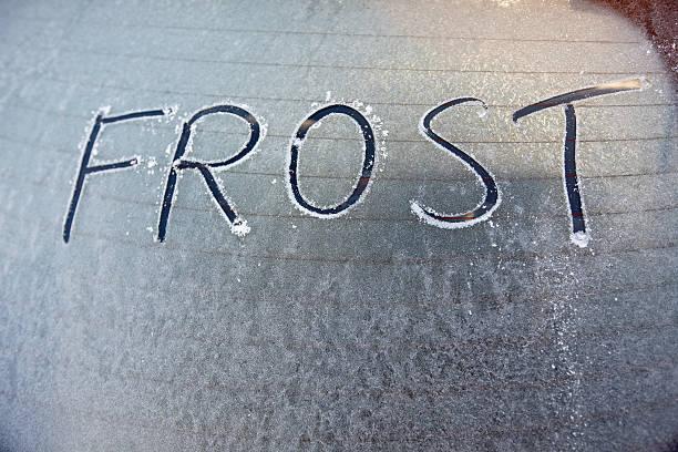 Frosty car window with word frost written on it:スマホ壁紙(壁紙.com)
