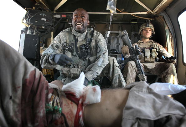 Army Soldier「Army Medevac Unit Tends To The War Wounded Near Marja, Afghanistan」:写真・画像(5)[壁紙.com]