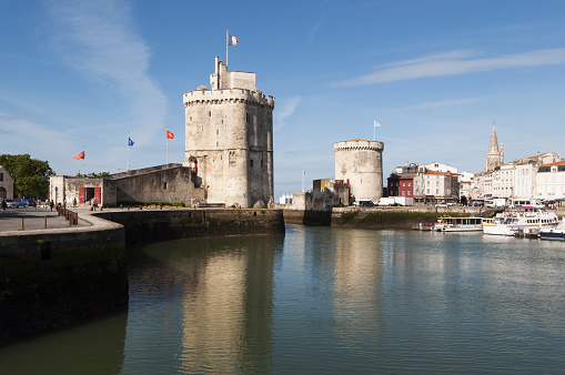 Nouvelle-Aquitaine「Tour St Nicolas and Tour de la Chaine towers」:スマホ壁紙(4)