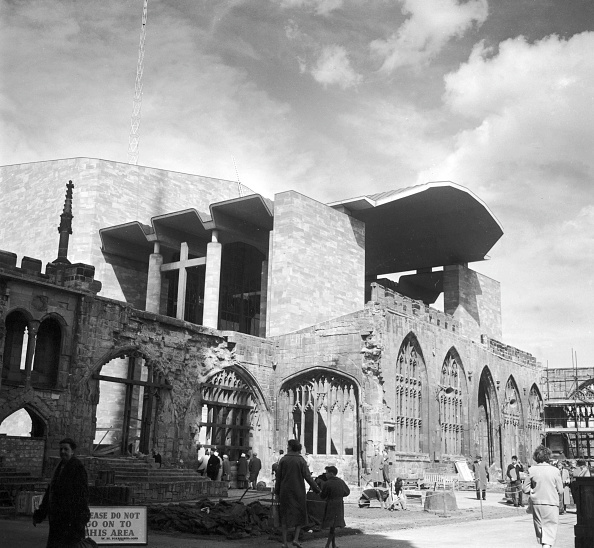 Ruined「Coventry Cathedral」:写真・画像(19)[壁紙.com]