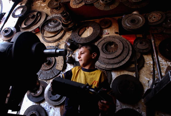 Effort「Iraqi Children Pushed Into Work By War And Poverty」:写真・画像(18)[壁紙.com]