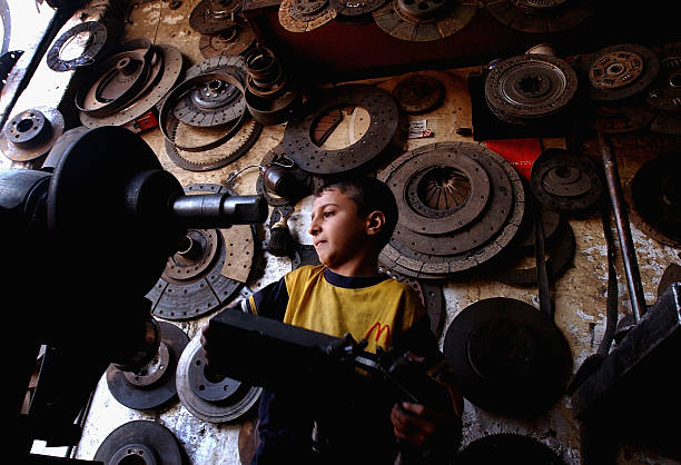 Iraqi Children Pushed Into Work By War And Poverty:ニュース(壁紙.com)