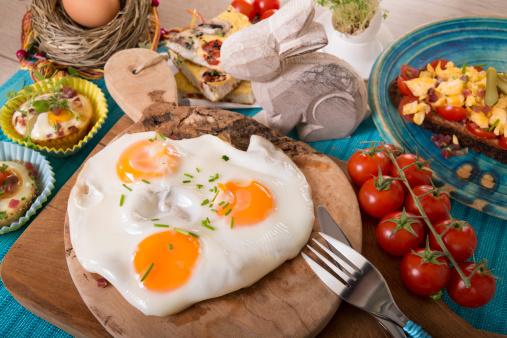 Easter Bunny「Variation of egg dishes and easter decoration」:スマホ壁紙(10)