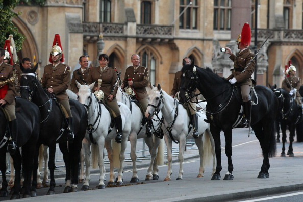 Wireless Technology「Preparations Are Made Ahead Of The Diamond Jubilee Carriage Procession」:写真・画像(10)[壁紙.com]