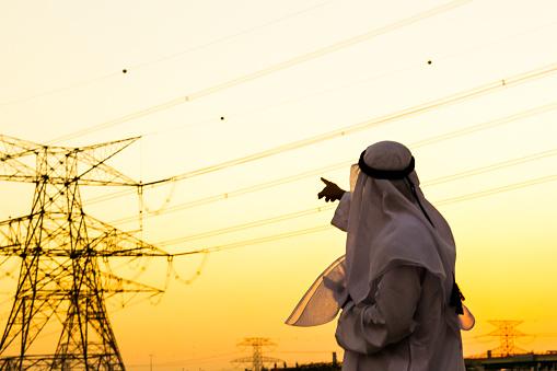 Electricity Pylon「Arab pointing towards Electrical Pylon」:スマホ壁紙(16)