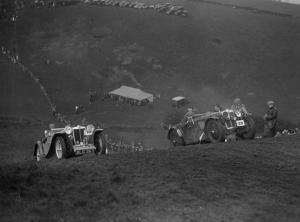 Country Road「MG PA and MG J type competing in the MG Car Club Rushmere Hillclimb, Shropshire, 1935」:写真・画像(16)[壁紙.com]