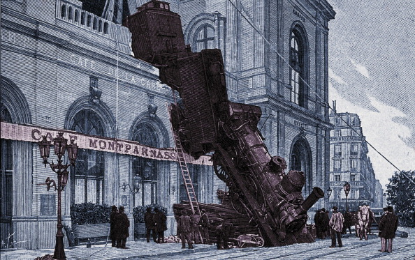 Arts Culture and Entertainment「Railway accident at Gare Montparnasse」:写真・画像(18)[壁紙.com]