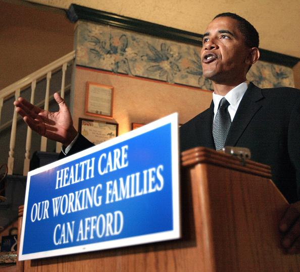 Insurance「Barack Obama Campaigns In Chicago」:写真・画像(12)[壁紙.com]