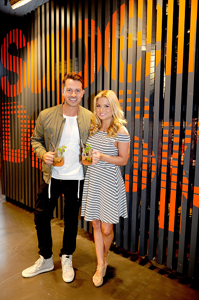 Two People「Superdry Arndale Store Launch」:写真・画像(10)[壁紙.com]