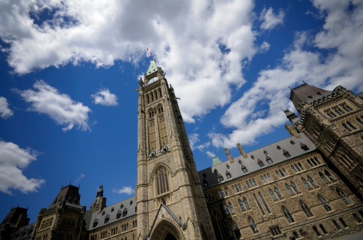 Gothic Style「View of Peace Tower looking up to the sky」:スマホ壁紙(1)