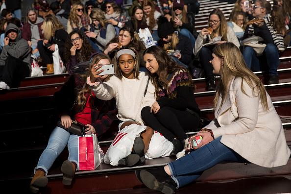Teenager「Popular Photo-Sharing App Instagram Reveals New York City As Most Posted City」:写真・画像(2)[壁紙.com]