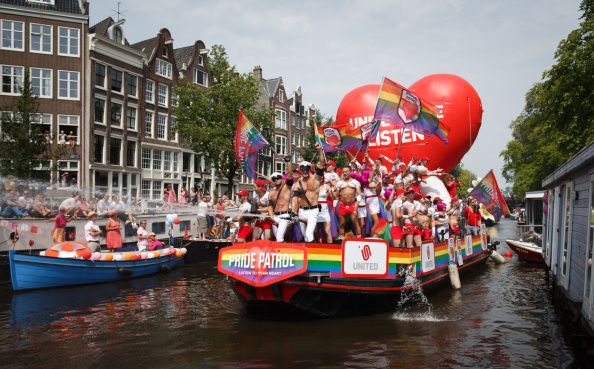 Netherlands「Canal Parade To Celebrate Gay Pride」:写真・画像(14)[壁紙.com]