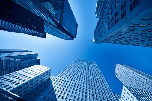 2000年代「ニューヨークの摩天楼アゲインストブルースカイ」:スマホ壁紙(11)