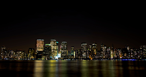 Avenue「New York skyline  financial distric wall street at night」:スマホ壁紙(7)