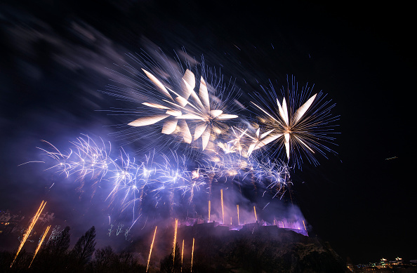 Edinburgh Lights Up Blue For NYE Hogmanay With Unicef To Support Their New Year's Resolutions For Children Campaign:ニュース(壁紙.com)