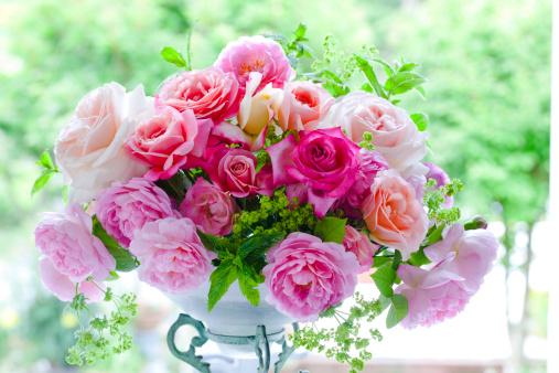 Pink Rose Bouquet:スマホ壁紙(壁紙.com)