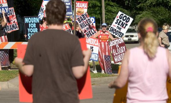Funeral For Slain Abortion Provider George Tiller Held In Wichita:ニュース(壁紙.com)