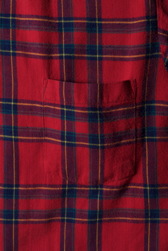Red plaid flannel shirt with pocket:スマホ壁紙(壁紙.com)