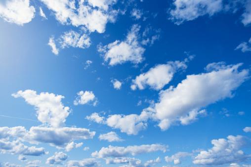 Clouds, low angle view:スマホ壁紙(壁紙.com)