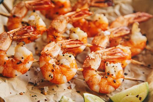 Shrimp - Seafood「Grilled shrimps with seasoning and lime」:スマホ壁紙(19)