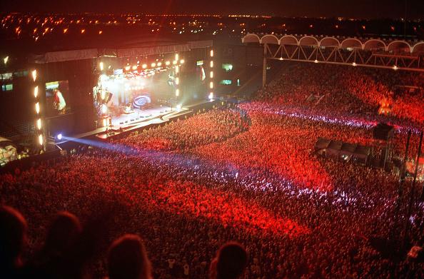 Stadium「Oasis Play Live」:写真・画像(9)[壁紙.com]