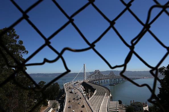 San Francisco-Oakland Bay Bridge「Bay Bridge Officially Re-Opens After Years Of Repairs」:写真・画像(4)[壁紙.com]