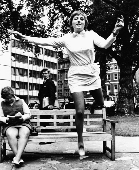 Bench「Clare Torry」:写真・画像(0)[壁紙.com]