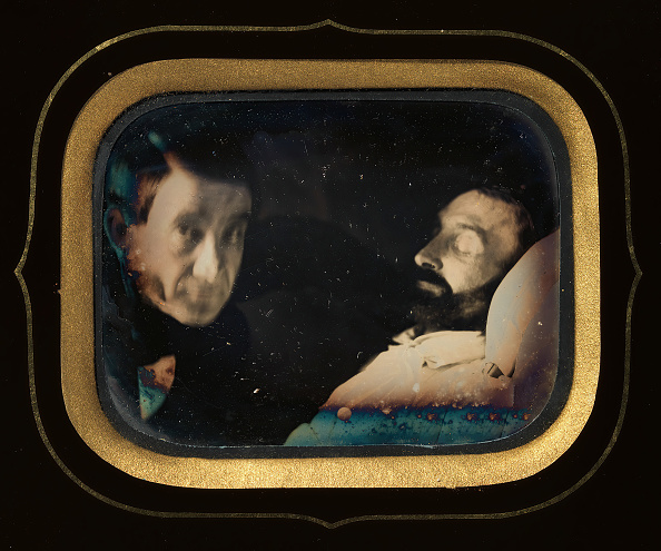 Vitality「Portrait Of Living Man Beside Dead Man」:写真・画像(17)[壁紙.com]