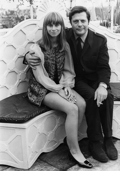 Bench「Rita Tushingham And Marcello Mastroianni」:写真・画像(6)[壁紙.com]