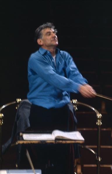 Erich Auerbach「Leonard Bernstein」:写真・画像(18)[壁紙.com]