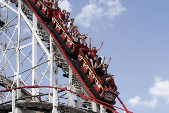 Rollercoaster「Memorial Day Weekend Ushers In Summer Season」:写真・画像(3)[壁紙.com]
