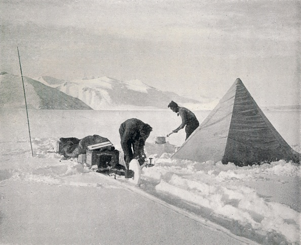 Exploration「Heavy Sledging In New Snow Off Point Disappointment」:写真・画像(2)[壁紙.com]