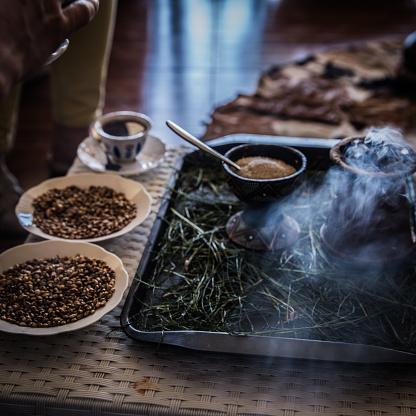 Tasting「Traditional coffee ceremony in Ethiopia」:スマホ壁紙(2)