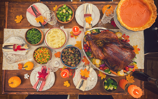 Stuffed Turkey「Traditional Stuffed Turkey with Side Dishes for Thanksgiving Day」:スマホ壁紙(17)