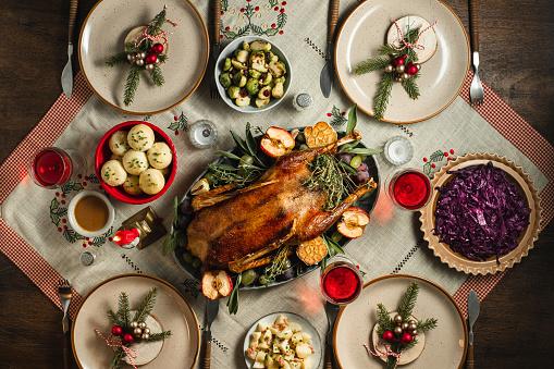 Roast Dinner「Traditional German Christmas dinner」:スマホ壁紙(8)