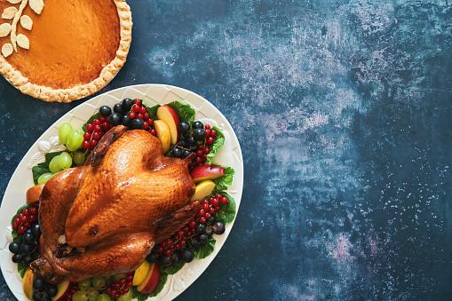 Turkey - Bird「Traditional Holiday Stuffed Turkey」:スマホ壁紙(1)