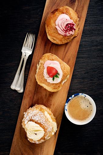 Danish Culture「Traditional Fastelavn Cakes or Danish Cream Cakes」:スマホ壁紙(8)