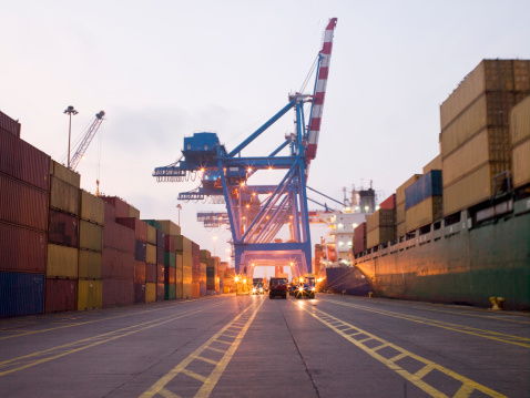 Pier「Shipping yard traffic lanes」:スマホ壁紙(4)