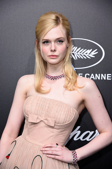 Elle Fanning「Official Trophee Chopard Dinner - Photocall - The 72nd Cannes International Film Festival」:写真・画像(6)[壁紙.com]