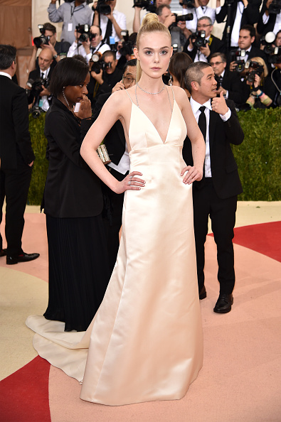 "Elle Fanning「""Manus x Machina: Fashion In An Age Of Technology"" Costume Institute Gala - Arrivals」:写真・画像(4)[壁紙.com]"