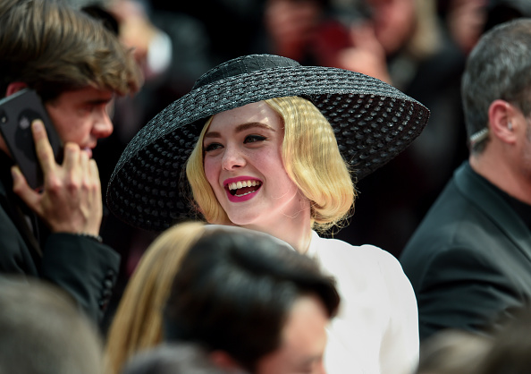 "Elle Fanning「""Once Upon A Time In Hollywood"" Red Carpet - The 72nd Annual Cannes Film Festival」:写真・画像(7)[壁紙.com]"