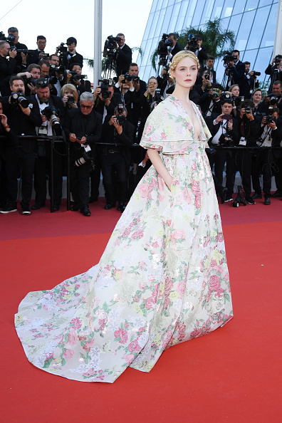 "Elle Fanning「""Les Miserables"" Red Carpet - The 72nd Annual Cannes Film Festival」:写真・画像(3)[壁紙.com]"