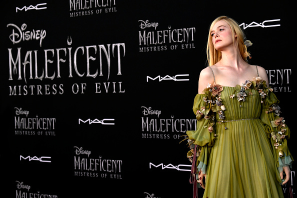 "Elle Fanning「World Premiere Of Disney's ""Maleficent: Mistress Of Evil"" - Red Carpet」:写真・画像(16)[壁紙.com]"